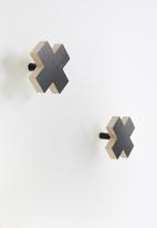 Sixth Floor - Cross hook set of 2 - black/natural