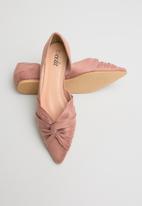 edit - Zeenat pumps - pink