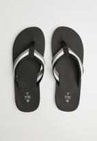 Call It Spring - Urrea sandals - black