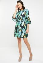 Missguided - Floral frill sleeve shift dress - multi