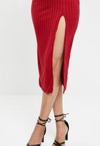 Missguided - Ribbed slit front midi dress - red
