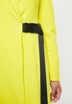 Missguided - Blazer seat belt dress - green