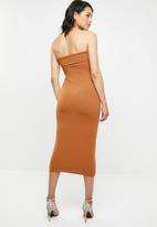Missguided - Cut out belted bandeau midaxi dress - brown