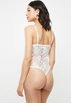 Missguided - Lace strappy bodysuit - white