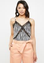 Missguided - Zebra print lace insert cami - black & white