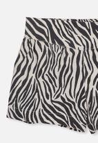 Cotton On - Callie short - black & white