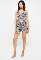 Missguided - Snake print frill cami set - grey & blue