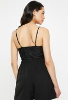 Missguided - Straight neck lace overlay bodysuit - black
