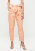 Missguided - Faux leather tie waist trousers - peach