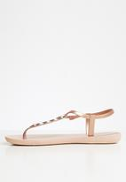 Ipanema - Charm vi fem braided T-strap sandal - pink & rose gold