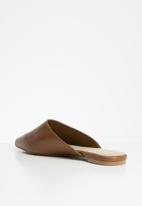 ALDO - Afiliclya leather mule - cognac