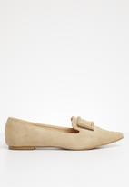 Superbalist - Buckle detail loafer - beige