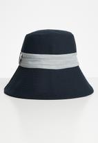 Superbalist - Grey band bucket hat - navy & grey