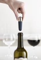 Joseph Joseph - Barwise™ twist-lock wine stoppers - blue