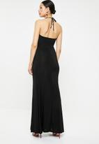 Missguided - Slinky cowl halter maxi dress with split - black