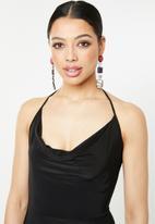 Missguided - Slinky cowl halter maxi dress with split - black