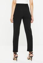 Missguided - Belted trousers - black