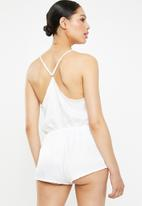 Missguided - Sheen satin frill plunge playsuit - white