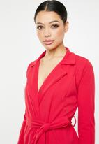 Missguided - Long sleeve belted blazer dress - red