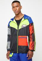 Nike - Nike wild run windrunner jacket - multi