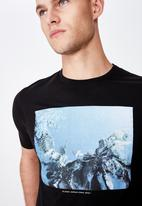 Cotton On - Tbar photo short sleeve tee - black
