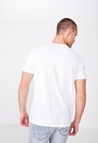 Cotton On - Tbar photo short sleeve tee - white