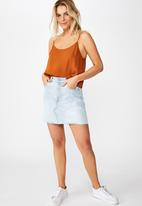 Cotton On - Astrid cropped scoop neck - brown