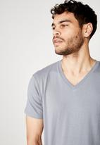 Cotton On - Essential v-neck tee - blue