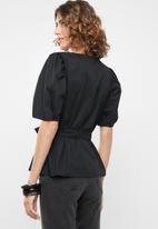 Vero Moda - Gilla tie top - black
