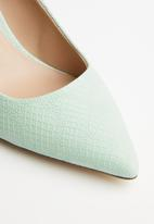 Call It Spring - Faux leather stiletto court - green