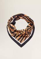 MANGO - Tiger print scarf - multi