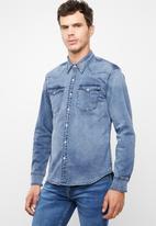 Levi's® - Classic western bruised shirt - blue