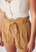 Cotton On - Riley high waist short - beige