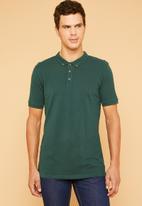 Superbalist - Pique slim fit golfer - green