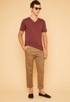 Superbalist - Plain short sleeve henley tee - burgundy
