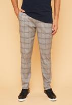 Superbalist - Elasticated waistband check chino - black & white