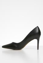 POLO - Camilla classic court shoe - black