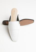 ALDO - Reptile leather mule - white
