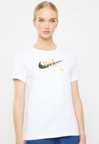 Nike - Nike sport charm tee - white