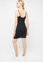 Nike - Nike ribbed dress - black