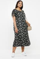 AMANDA LAIRD CHERRY - Plus size siphosethu dress - green
