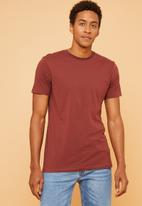 Superbalist - Plain crew neck short sleeve tee - burgundy