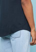 Superbalist - Longline curved hem short sleeve tee - navy
