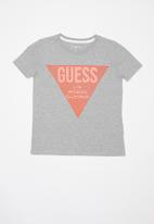 GUESS - Short sleeve guess tri raised tee - grey