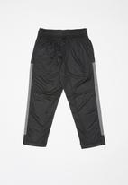 Nike - Drifit trophy pant - black