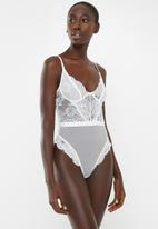 Missguided - White lace flutter body - white