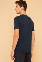 Superbalist - Plain crew neck short sleeve 2 pack tees - navy & burgundy