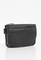 Escape Society - Cosmetic travel organiser - black
