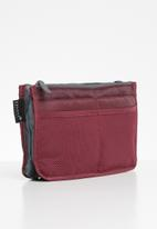 Escape Society - Cosmetic travel organiser - maroon