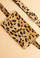 Superbalist - Leopard print belt bag - multi